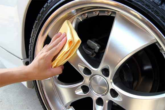 How is it beneficial for you to hire professionals for car valeting services